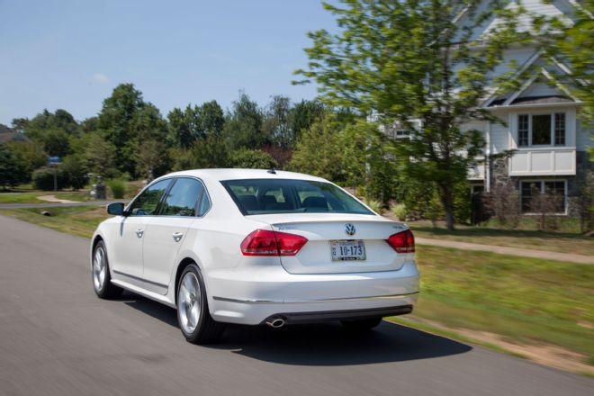 2014 Volkswagen Passat TDI SEL Rear View In  Motion