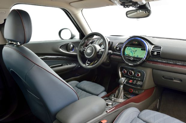 2016 Mini Clubman Cooper S Interior View 03