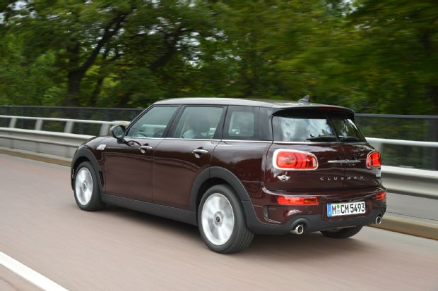 2016 Mini Clubman Cooper S Rear Three Quarter In Motion 05