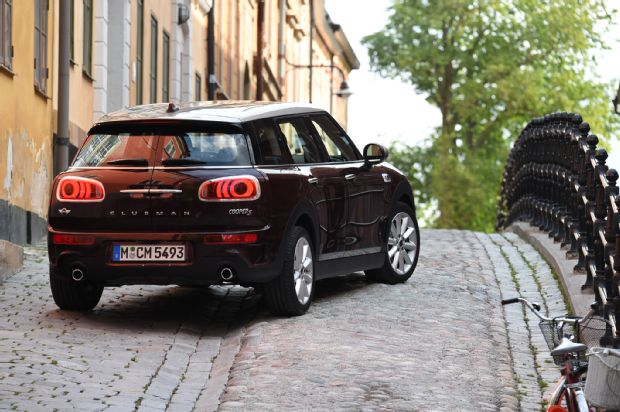 2016 Mini Clubman Cooper S Rear Three Quarter