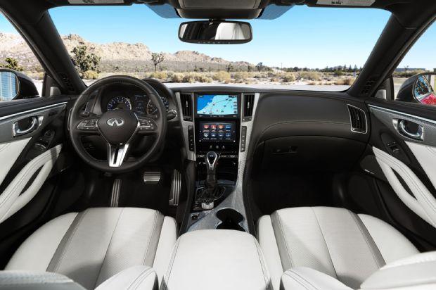 2017 Infiniti Q60 Coupe Interior