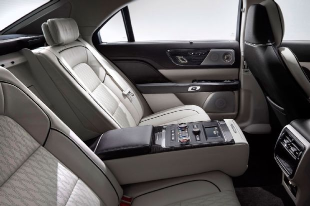 2017 Lincoln Continental Rear Seat