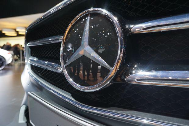 2017 Mercedes E Class Heated Emblem